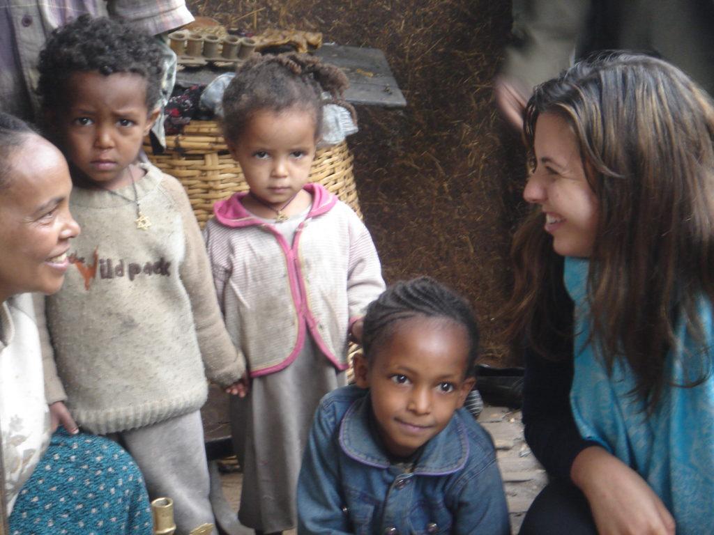 dana eitches with children